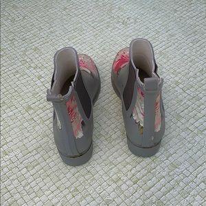Shoes - Floral Rainboots